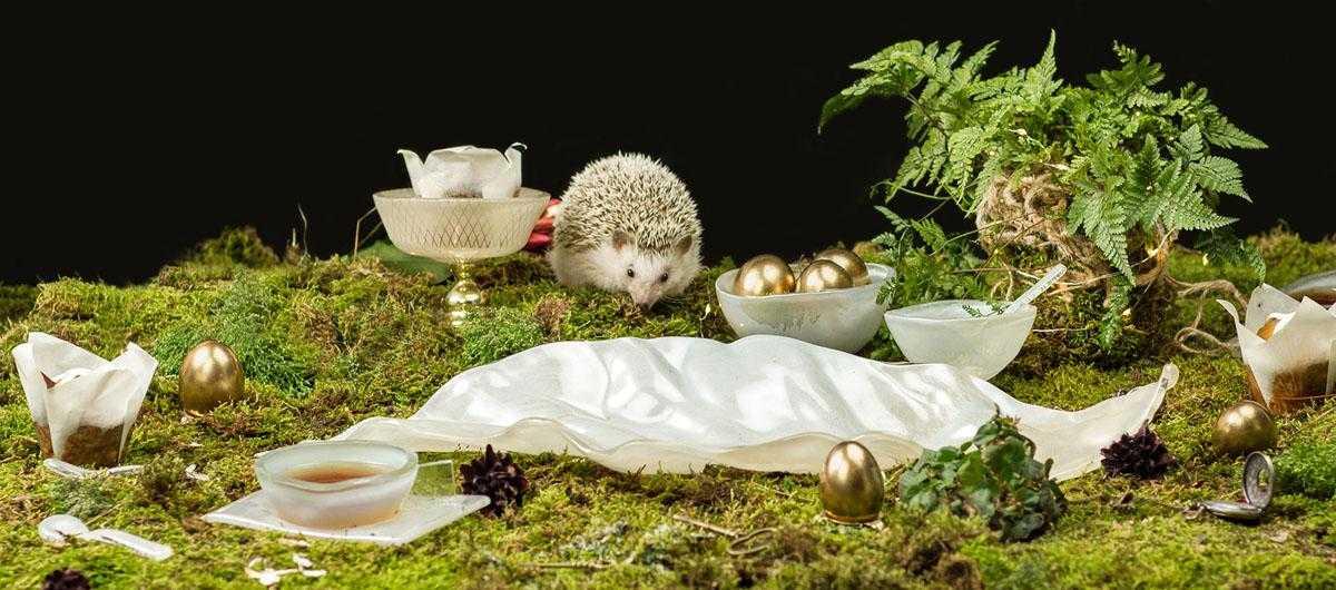 Easter egg basket bowl on pedestal