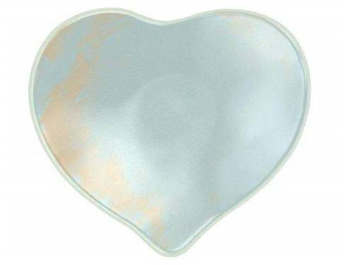 A small romantic heart plate, Aela is a mesmerizing combination of light dawn blue with splashes of cream highlights.