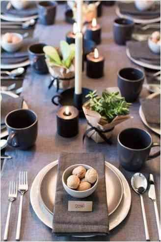 Christmas table setting in earthly colours inspired by farm theme