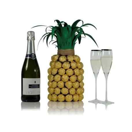 Prosecco pineapple