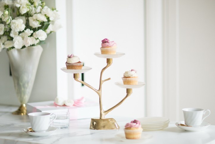 For a truly mesmerizing experience, gently arrange your cupcakes' on the captivating Amel cupcake tree stand! Amel is a charming cupcake stand with a tree shaped hand cast bronze base on three tiers. Each plate is tinted in turtledove metallic cream and is adorned with our Filigree pattern. Impress your girlfriends with your exceptional sense of creativity and style for a guaranteed great time!
