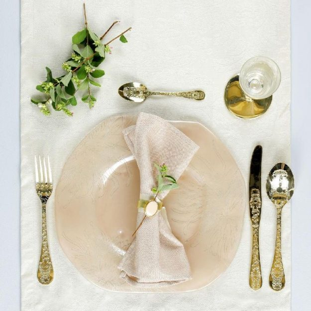 Organic Charger Plates Mary by Anna Vasily