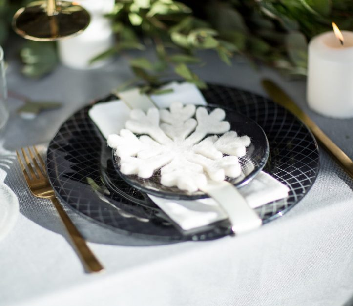 navy blue dinner set - christmas in july - snowflake decoration on plates