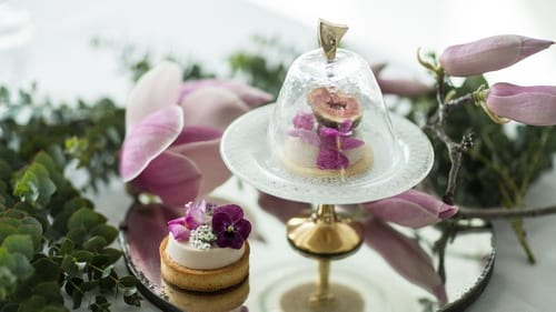 Unique mini cake stands with pedestals as cupcake stands by Anna Vasily.