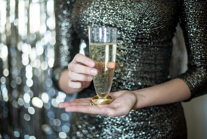 Unique stemless flutes for a glam NYE party.