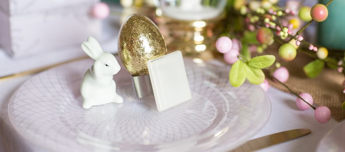 Easter brunch ideas for the elegant host - freshen up your Easter table decor with pastels and modern dinnerware!